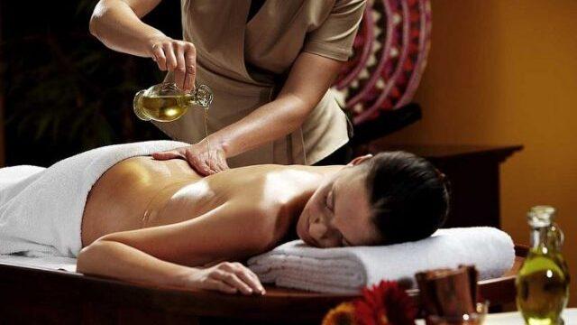 アーユルヴェーダマッサージ / Ayurvedic Massage