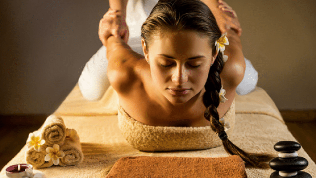 タイ古式マッサージ / Thai Traditional Massage