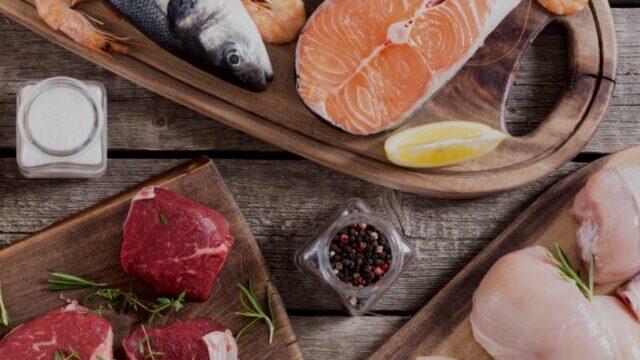 新鮮な肉と魚